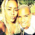 Amel Bent et son frère Ilias : deux têtes blondes lors de leurs vacances en famille !