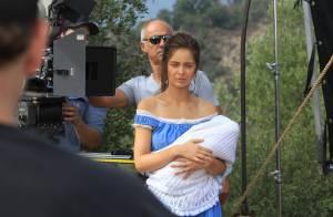 Marie-Ange Casta envoûtante et épaules nues : La ''petite soeur de'' veut percer