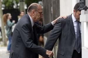 Jacques Chirac : Affaibli et s'aidant d'une canne, l'ancien président de sortie