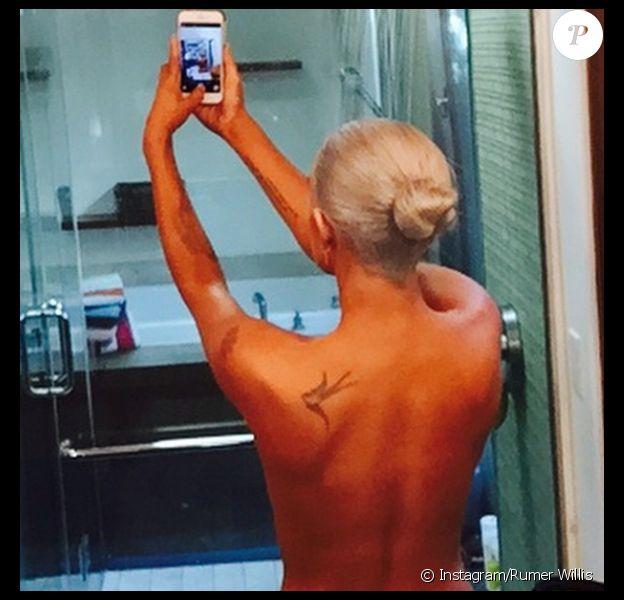 Rumer Willis topless sur Instagram, le 7 octobre 2014.
