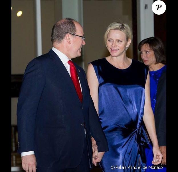 La princesse Charlene de Monaco, enceinte de jumeaux, et le prince Albert II de Monaco ont assisté à la 7e cérémonie de remise des prix de la Fondation Prince Albert II de Monaco à Palm Springs, dimanche 12 octobre 2014.