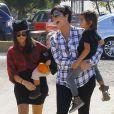 Kourtney Kardashian et ses enfants Penelope et Mason à Moonpark Los Angeles, le 18 Octobre 2014 avec Kris Jenner
