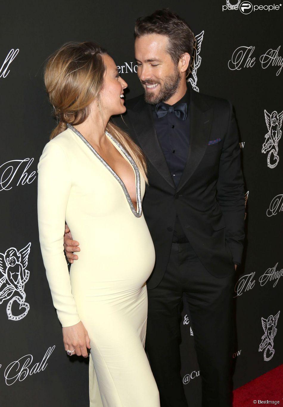 """Blake Lively (enceinte) et Ryan Reynolds à la soirée """"Angel Ball 2014"""" à New York, le 20 octobre 2014."""