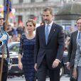 La reine Letizia, le roi Felipe VI et la reine Sofia d'Espagne sont arrivés ensemble pour la cérémonie de remise des prix Prince des Asturies à Oviedo, le 24 octobre 2014.