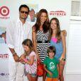 David Charvet et sa femme Brooke Burke en famille à Culver City, le 12 août 2012.