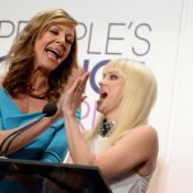 Anna Faris, pétillante, dévoile les nominations aux People's Choice Awards