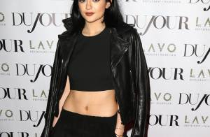Kendall et Kylie Jenner : Tops sombres pour une campagne mode