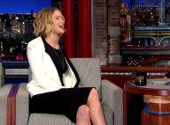Jennifer Lawrence, piètre chanteuse mais sexy, s'est fait une belle frayeur...