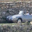 """Exclusif - Brad Pitt au volant d'une Citroën DS décapotable, pendant le tournage de """"By the sea"""" sur l'île de Gozo à Malte le 9 novembre 2014."""