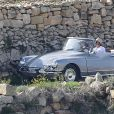 """Exclusif - Brad Pitt et Angelina Jolie, dans une Citroën DS décapotable, pendant le tournage de """"By the sea"""" sur l'île de Gozo à Malte le 9 novembre 2014."""