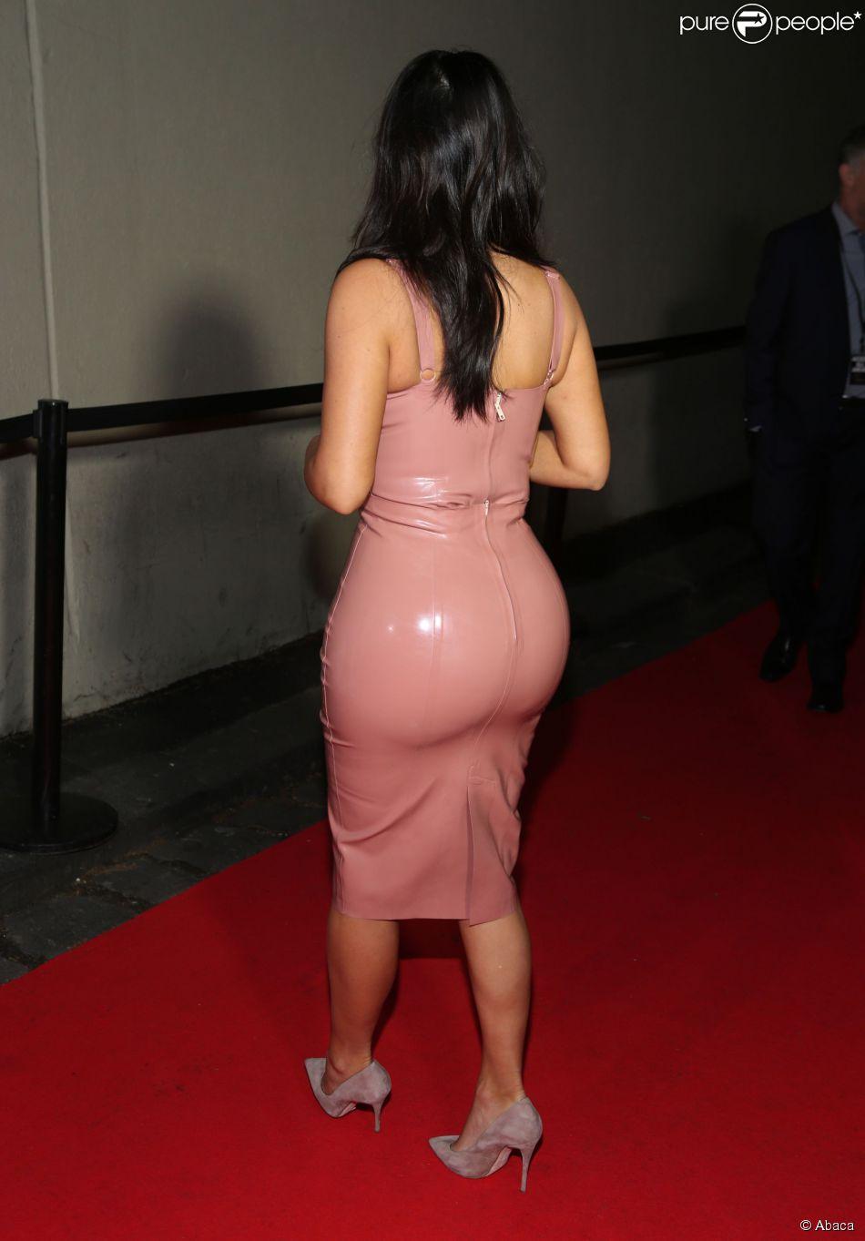 W Magazin nackt Kardashian Bilder unzensiert