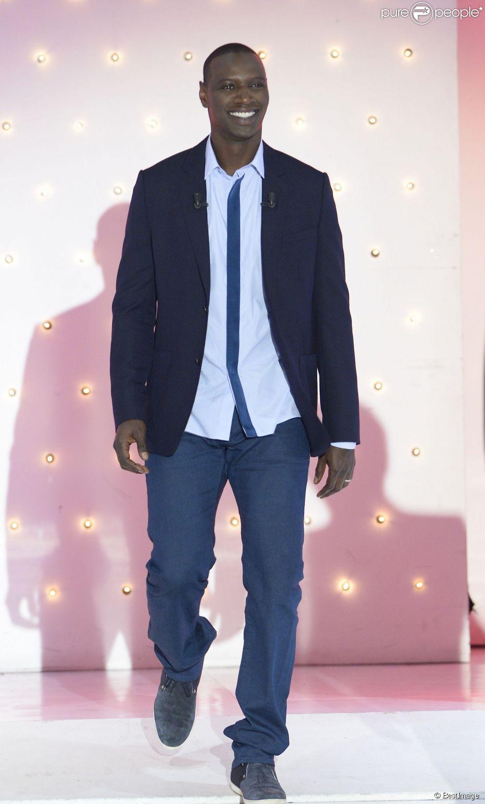 """Omar Sy lors de l'émission """"Vivement Dimanche"""" le 1er octobre 2014 au Studio Gabriel à Paris, pour une diffusion le 5 octobre 2014"""