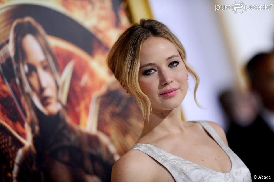 Jennifer Lawrence, dans une robe Dior Couture, lors de l'avant-première du film Hunger Games : La Révolte (partie I) à Los Angeles le 17 novembre 2014