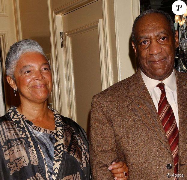 Bill Cosby et sa femme Camille à Los Angeles, le 20 avril 2004.