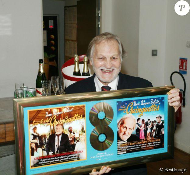 Exclusif - Jean-Jacques Debout - Jean-Jacques Debout reçoit 2 Disques d'Or chez Sony à Paris le 19 juin 2014.