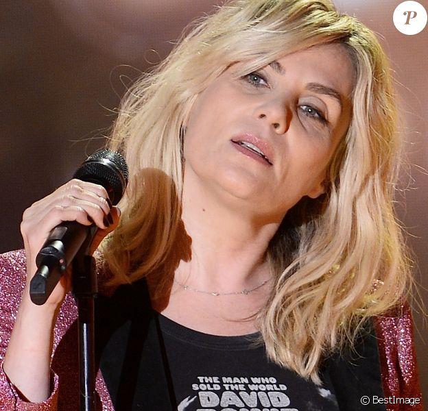 """Emmanuelle Seigner - Enregistrement de l'émission """"Vivement Dimanche"""" à Paris le 3 décembre 2014. L'émission sera diffusée le 07 Décembre 2014."""
