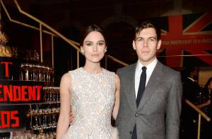 Keira Knightley in love : Lumineuse face à Benedict Cumberbatch et sa chérie