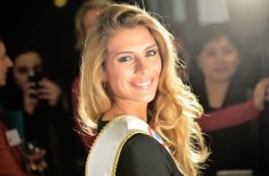 Camille Cerf : Miss France 2015 radieuse au côté de Valérie Trierweiler