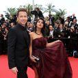 """Stéphane Rousseau et Reem Kherici - Montée des marches du film """"Jeune et Jolie"""" pour l'ouverture du 66e Festival du film de Cannes 2013"""