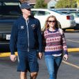 L'actrice Reese Witherspoon et son mari Jim Toth sont allés faire des courses au supermarché Bristol Farms à Los Angeles. Le 13 décembre 2014.