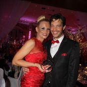 Elodie Gossuin et son mari Bertrand : complices et élégants devant Karen Mulder