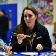 Kate Middleton, enceinte, lors d'un événement avec des scouts le 16 décembre 2014 à Londres