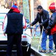 Exclusive - Tracy Morgan, entouré de sa famille, tente de remarcher six mois après son terrible accident de voiture dans le New Jersey, le 15 décembre 2014.