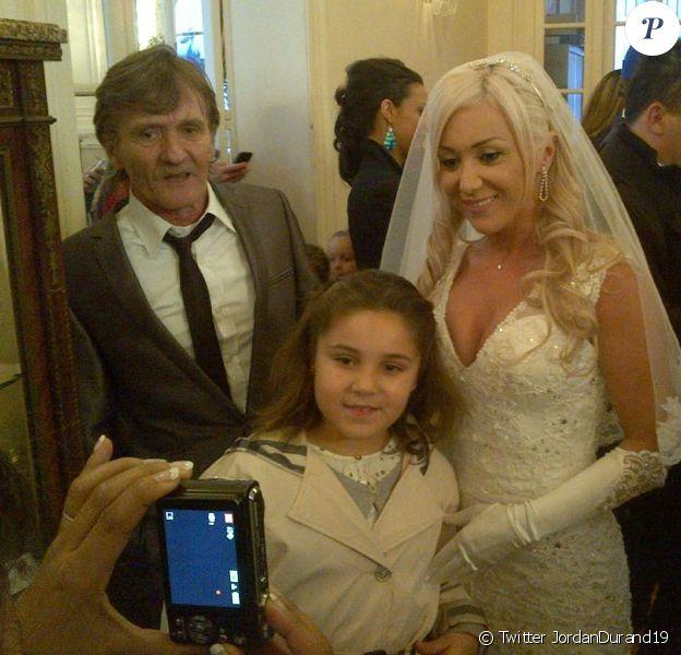 Mariage de Julie de Secret Story 8 et de son Sébastien, le 20 décembre 2014 à Yvetot. Le père de Julie était là pour accompagner sa fille...