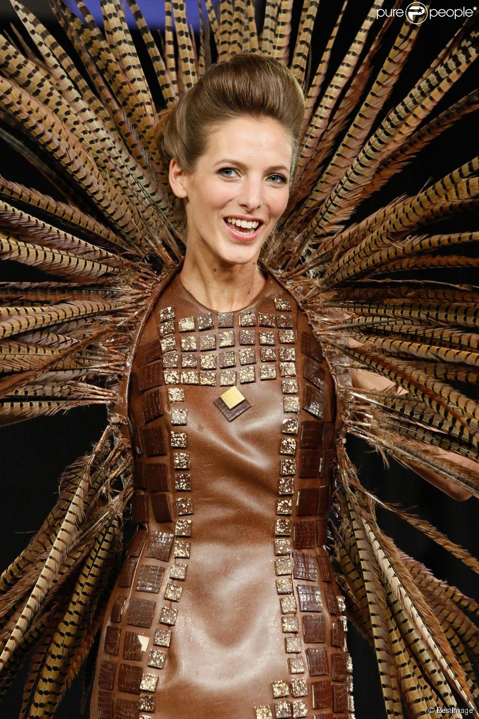 Elodie Varlet au Défilé du 20e Salon du chocolat 2014 au parc des expositions de la Porte de Versailles à Paris le 28 octobre 2014