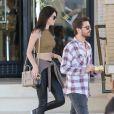 Kendall Jenner et Scott Disick quittent le centre commercial Barneys New York à Beverly Hills. Le 23 décembre 2014.