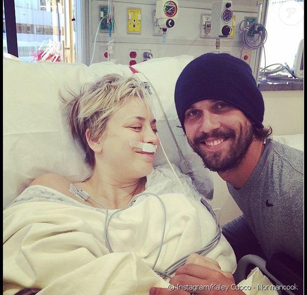 Kaley Cuoco à l'hôpital avec son époux Ryan Sweeting, photo publiée sur son compte Instagram le 28 décembre 2014
