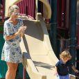 Molly Sims et son fils Brooks ont passé leur après-midi à jouer au parc Coldwater à Beverly Hills. Le 7 septembre 2014