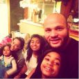 Melanie Brown en compagnie de ses filles Madison, Phoenix et Angel ainsi que son mari Stephen Belafonte, postée sur instagram le 26 décembre 2014