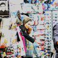 Angelina Jolie fait du shopping avec ses enfants. On la voit avec Zahara le 7 janvier 2015 à Rome
