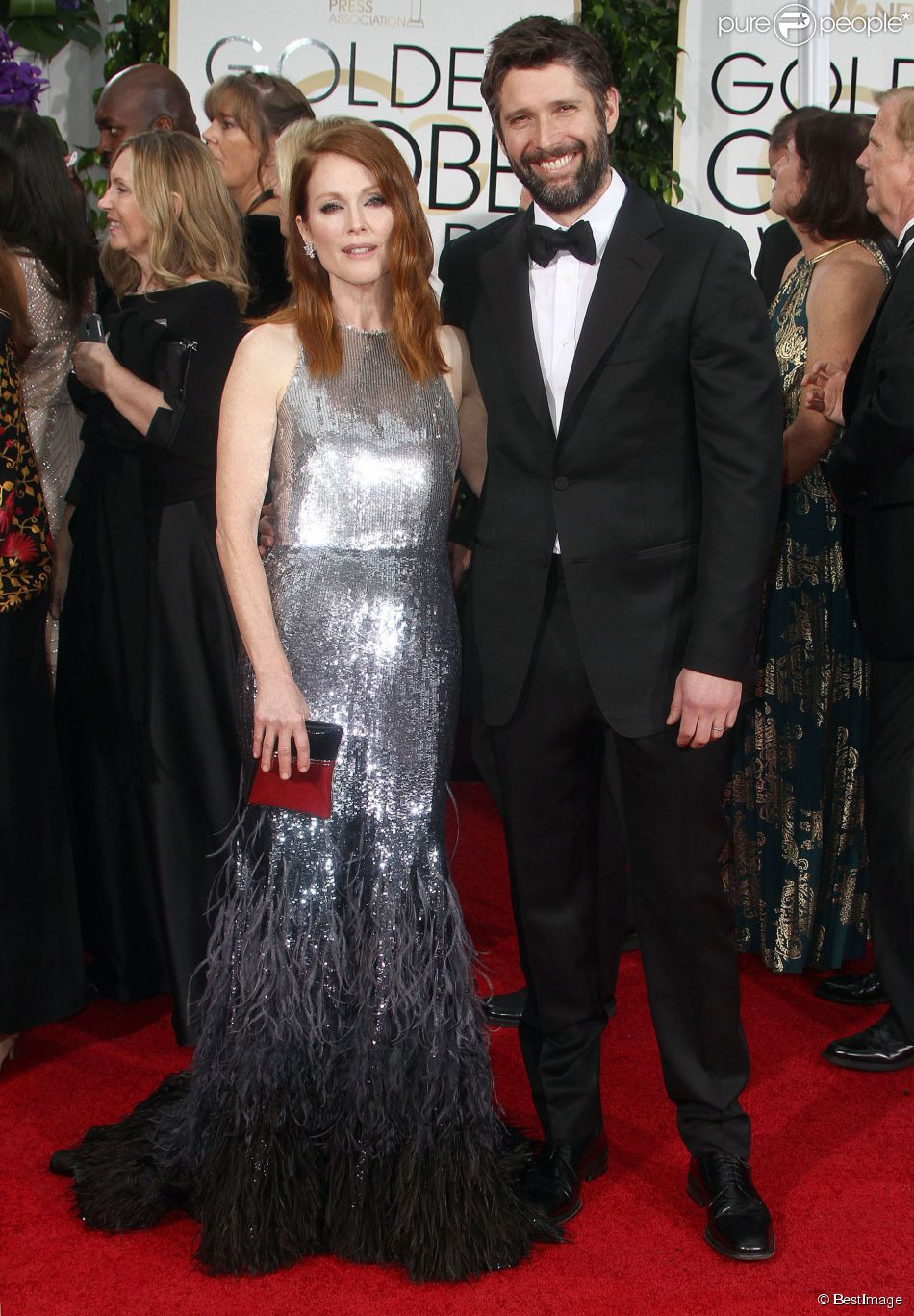 julianne moore son