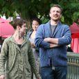 Jason Segel et Alexis Mister sortent du restaurant The Grove, le 12 décembre 2014