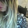 Anaïs dévoile sa nouvelle couleur de cheveux. Janvier 2015.