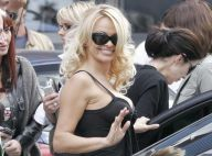 VIDEO + PHOTOS : Pamela Anderson à Paris, tout un défilé top sexy !