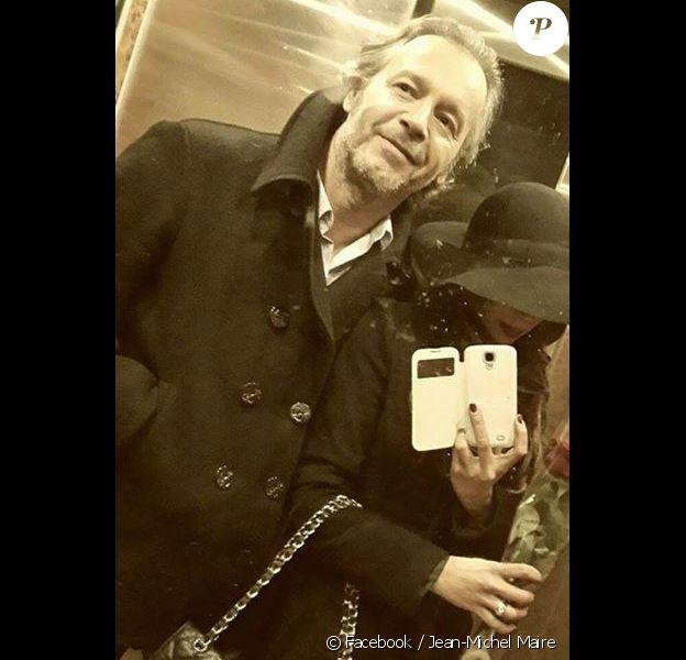 Jean-Michel Maire et Farah posent pour un selfie. Le couple a donc renoué et Farah continue de préserver son anonymat. Le 30 janvier 2015.