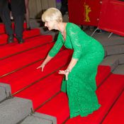 Helen Mirren, sublime à 69 ans, trébuche : Incident en plein tapis rouge !