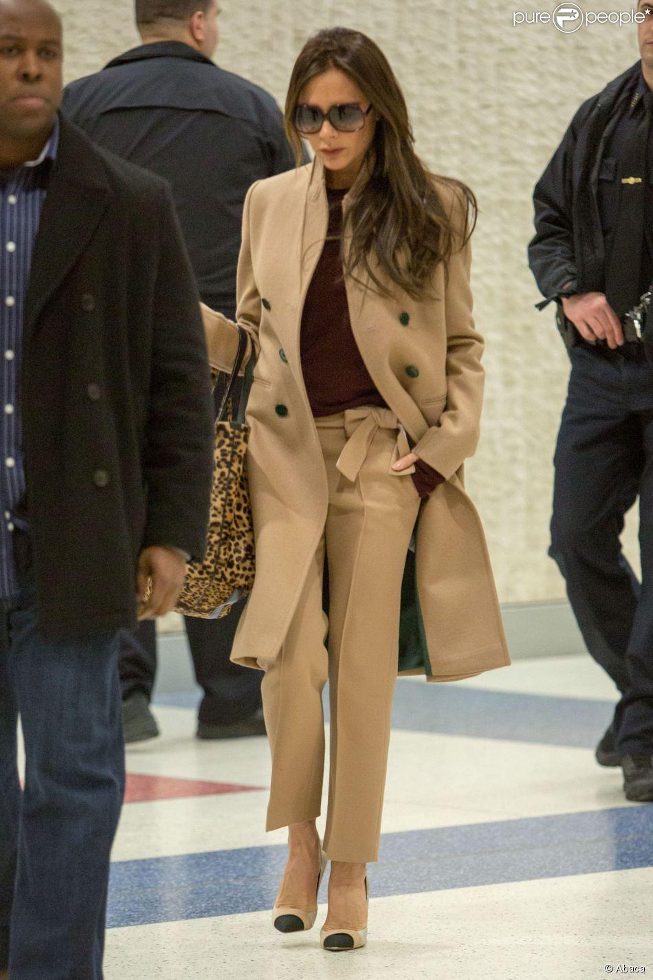 Victoria Beckham arrive à l aéroport JFK de New York, le 9 février 2015 b3532b3d0f7d