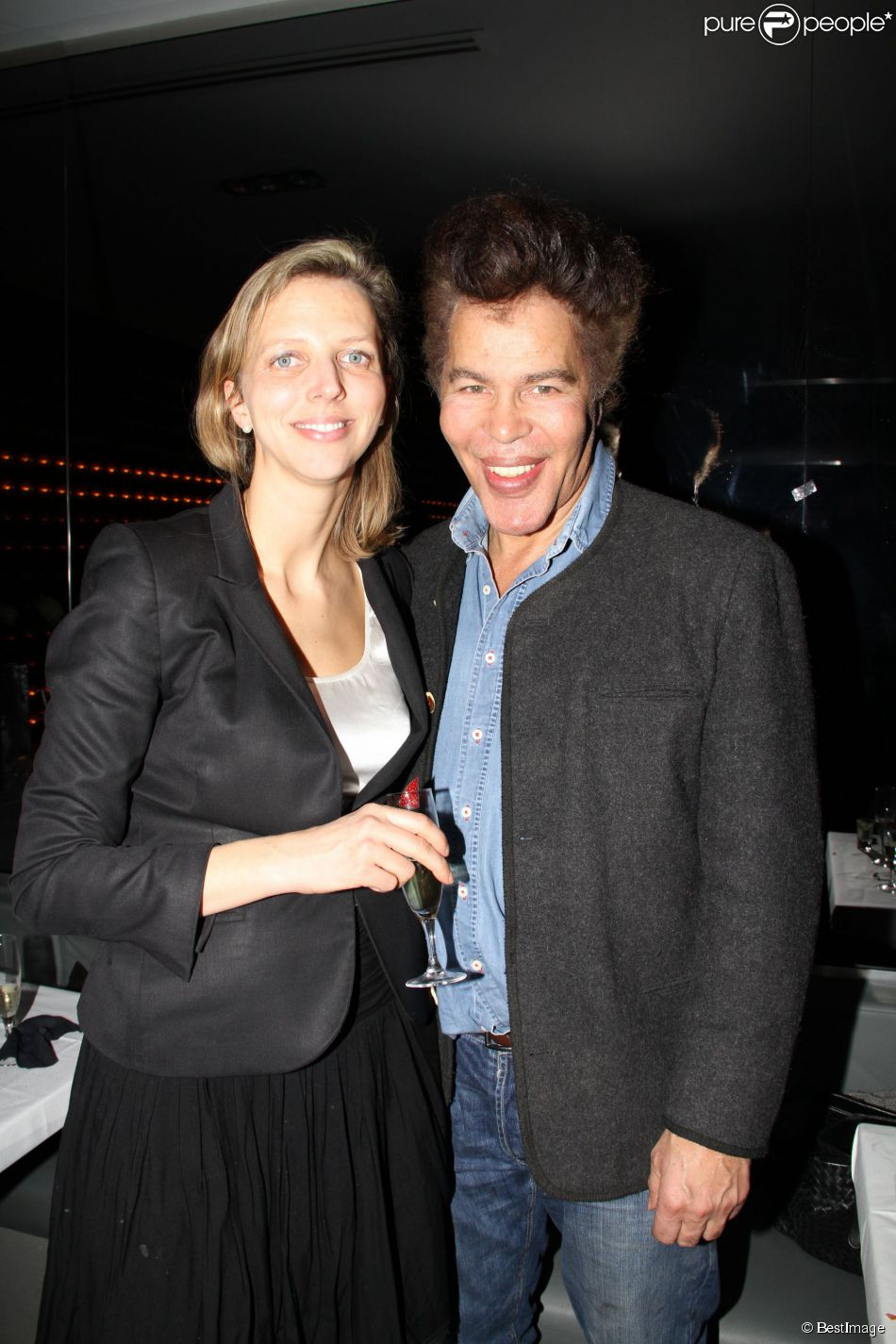 """Exclusif - Igor Bogdanoff et sa femme Amélie de Bourbon Parme - Steevy Boulay fête son 34e anniversaire dans le bar restaurant le """"Who's"""" dans le Marais à Paris le 19 février 2014."""