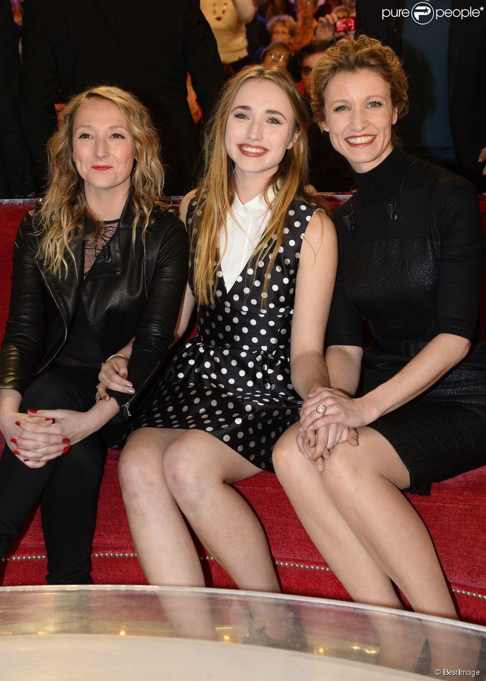 daf210cd88698 Alexandra Lamy   Divine au côté de sa superbe fille Chloé et sa ...
