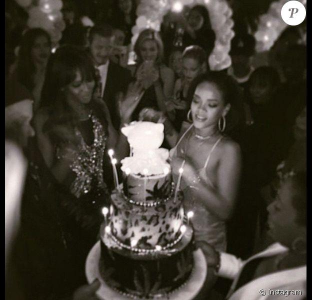 Richie Akiva poste des photos de l'anniversaire de Rihanna (27 ans), le 20 février 2015, à Hollywood