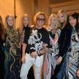 Peter Dundas et ses mannequins lors du défilé Emilio Pucci automne-hiver 2015-2016 à Milan. Le 28 février 2015.