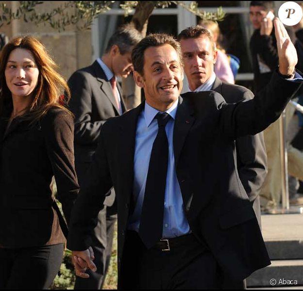 Nicolas Sarkozy et Carla Bruni ouvrent l'Elysée au public