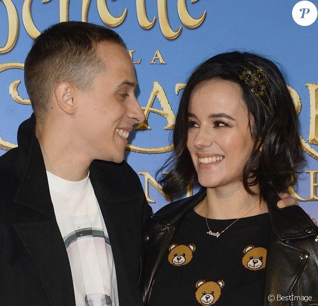 """Alizée et son compagnon Grégoire Lyonnet - Avant-première du film """"Clochette et la Créature légendaire"""" au Gaumont Champs-Elysées à Paris, le 20 mars 2015."""