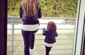 Emilie Nef Naf et sa fille Maëlla, copies conformes, Menzo a tout de son papa