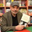 """Jean-Pierre Darroussin dédicace son livre à la librairie """"Les furets du Nord"""" à Valenciennes le 25 mars 2015"""