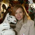 Valérie Trierweiler à la soirée d'ouverture de la Foire du Trône, organisée au profit du Secours populaire à Paris le 27 mars 2015.
